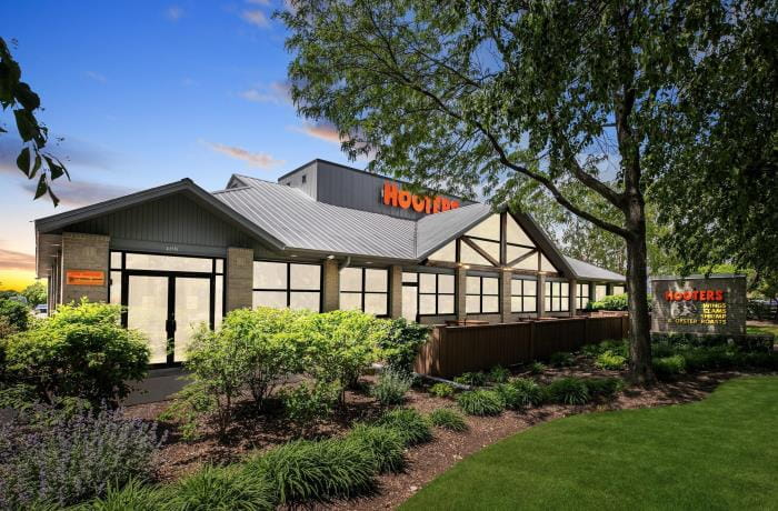 Exterior view of Hooters